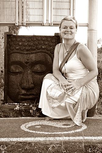 FRIEDENSRAUM - lotta buddha bali 2015 sepia